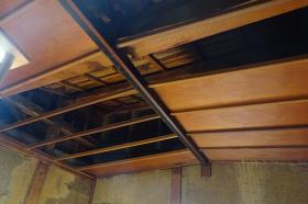 木造の建物は柱や梁を腐食させる